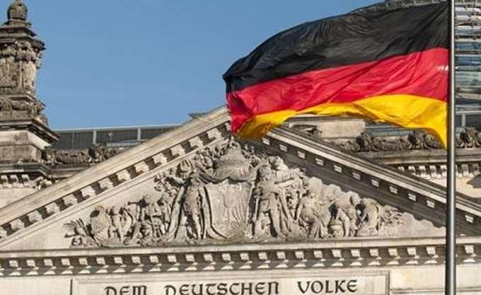 Spiegel: Θορυβημένο το Βερολίνο για τις επιπτώσεις της φορολογικής μεταρρύθμισης Τραμπ