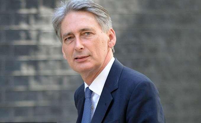 """Βρετανία: """"Χαμήλωσε"""" τις προβλέψεις για την ανάπτυξη στο 1,5% από το 2% προηγουμένως"""