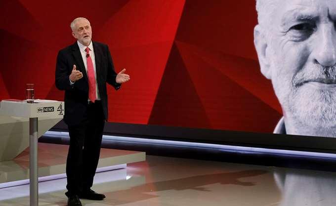Βρετανία: Πρόταση μομφής Κόρμπιν κατά της πρωθυπουργού Μέι