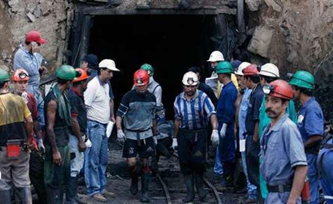 Νότια Αφρική: Σώοι όλοι οι μεταλλωρύχοι από τις στοές χρυσωρυχείου όπου είχαν παγιδευτεί