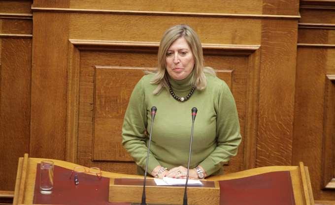 Καρακώστα για αποδοχές βουλευτών: Πολύς ντόρος, χωρίς λόγο