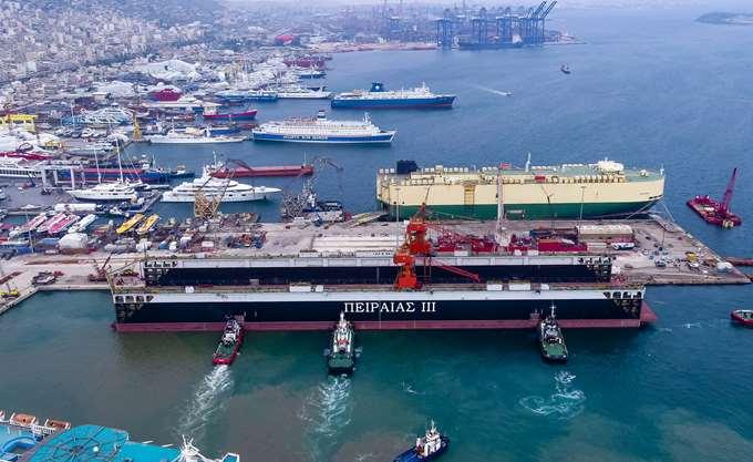 Λιμάνι Πειραιά: Το 2% των απεργών κρατά όμηρο το 98%