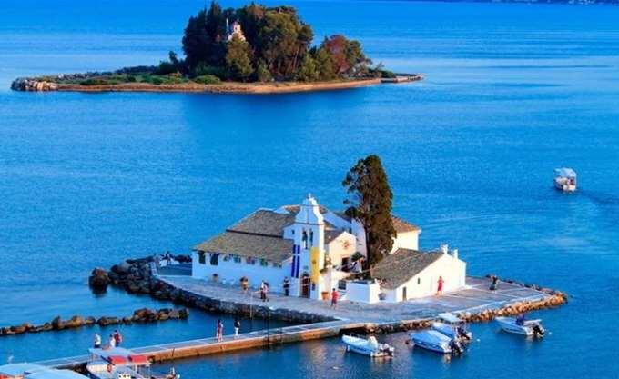 Δέκα μέρη που πρέπει να επισκεφθείτε αυτό το καλοκαίρι στην Ελλάδα