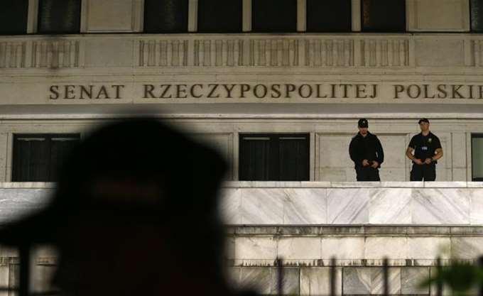 Η Κομισιόν προσέφυγε στο Δικαστήριο της ΕΕ κατά της Πολωνίας