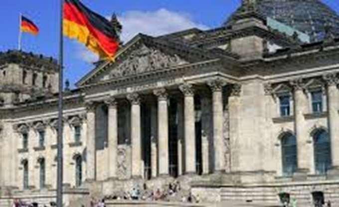 Η Ευρώπη όμηρος της πολιτικής παράλυσης στη Γερμανία