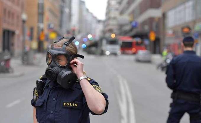 Σουηδία: Ομάδες νέων πυρπόλησαν αυτοκίνητα και προκάλεσαν ταραχές στο Γκέτεμποργκ