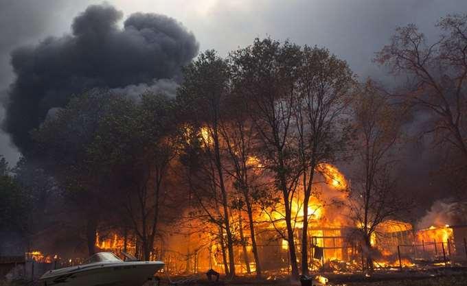 Μαίνονται οι φωτιές στην Καλιφόρνια: Πάνω από 200 οι αγνοούμενοι