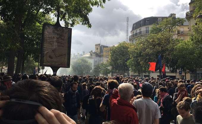 Ογκώδεις πορείες σε Ιταλία και Γαλλία εναντίον της σεξιστικής και σεξουαλικής βίας