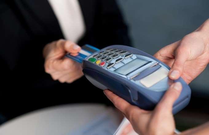 Περισσότερες e-δαπάνες για το αφορολόγητο θέλει το ΥΠΟΙΚ