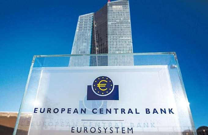 """Η ΕΚΤ """"στρώνει"""" - παρεμπιπτόντως - το έδαφος για τις επόμενες εκδόσεις ελληνικών ομολόγων"""