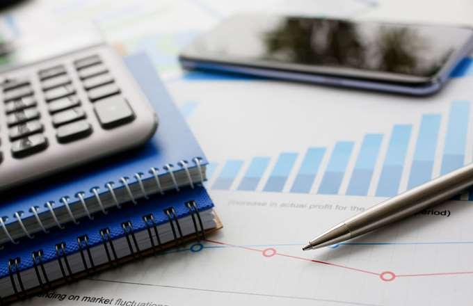 Υπέρ μείωσης εισφορών αντί φόρο-μειώσεων η κυβέρνηση