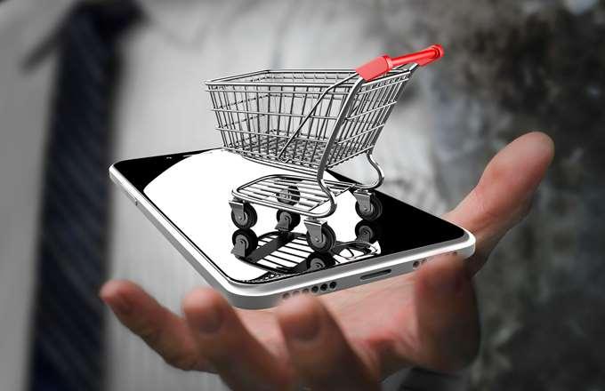 Σάρωσαν τα online σούπερ μάρκετ και φαρμακεία την Black Friday