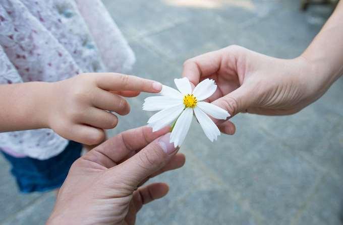 παιδί λουλούδι 24-05