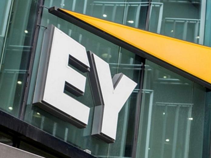 EY: Κινητήρια δύναμη για τις χρηματοοικονομικές υπηρεσίες η Τεχνητή...