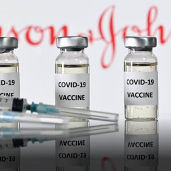 Ο ΕΜΑ εξετάζει τις αναφορές για θρόμβους σε γυναίκες που εμβολιάστηκαν με...