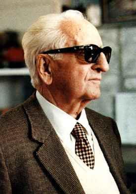 Μετά το Δεύτερο Παγκόσμιο Πόλεμο ο Ferrari ήταν σε θέση να αποκαταστήσει  την σπιλωμένη από τα φασιστικά ίχνη φήμη του. Επικεντρώθηκε στις  προσπάθειες του ... 00dc1b9a562
